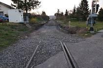 Mezi Kryry a Vroutkemprobíhá rozsáhlá oprava železniční trati