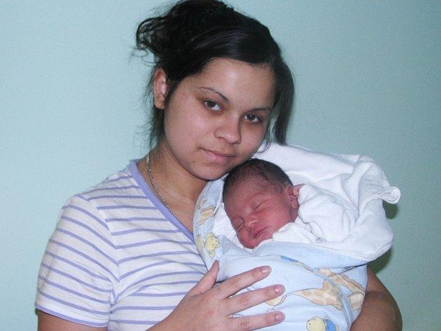 Mamince Marii Pulkové ze Žatce se 8. října 2013 ve 13.24 hodin narodil synek Martin Pulko. Vážil 3,1 kilogramu a měřil rovných 50 centimetrů.