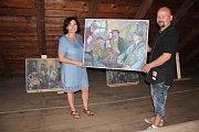 Majitel galerie David Herblich a malířka Doris Windlin.