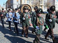 Tři stovky historických ostrostřelců z celé Evropy okouzlily o víkendu Žatec. Městem prošel také slavnostní průvod.