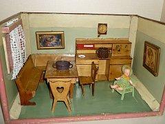 Muzeum české vesnice v Peruci připravuje novou výstavu retro pokojíčků pro panenky.