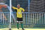 Fotbalisté Žatce (v zeleném) přehráli v poháru Postoloprty 11:0.