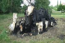 Broukoviště v Žatci zničil požár.