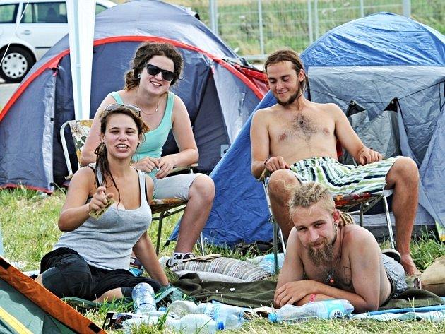 První návštěvníci Open Air Festivalu 2013 v Panenském Týnci