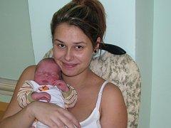 Mamince Elišce Pichlové ze Žatce se 18. října 2015 v 1.32 hodin narodil synek Miroslav Tatár. Vážil 3595 gramů a měřil 48 centimetrů.