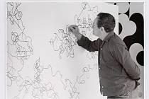 Lounský rodák a světově proslulý umělec Zdeněk Sýkora. Foto z ateliéru, rok 1974.