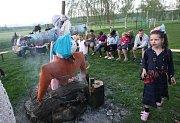 Pálení čarodějnic v Košticích na Lounsku