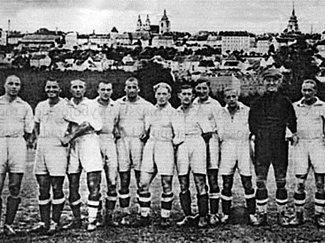 Snímek z historie Slavoje Žatec
