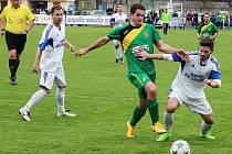 Fotbalisté Loun (v bílém) porazili Žatec.