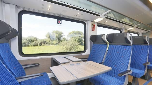 Den železnice nabídne novou expresní soupravu InterJet.