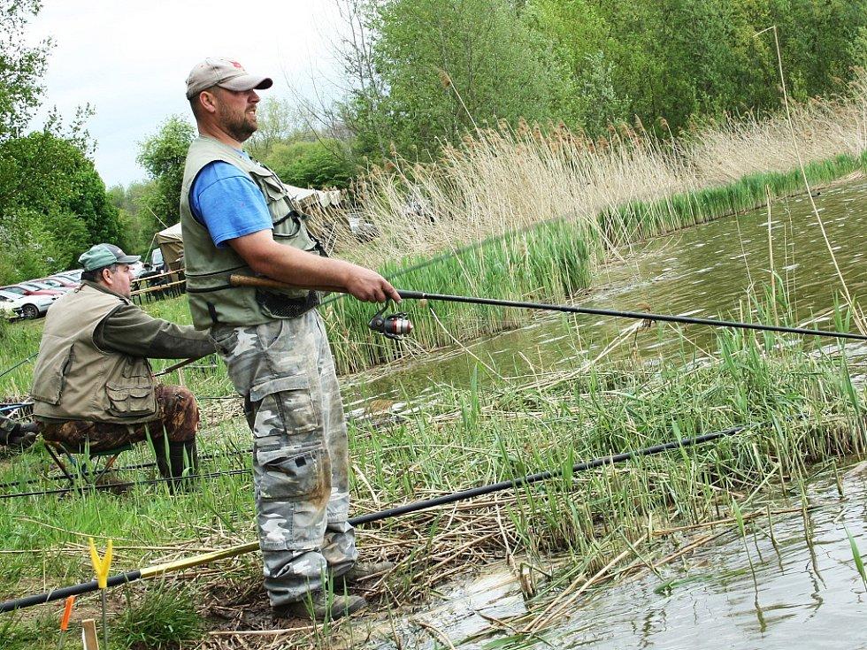 Rybářské závody ve Velké Černoci