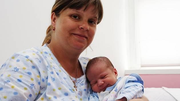 Adam Prokop z Podbořan se rozkřičel na svět v kadaňské porodnici ve středu 28. května