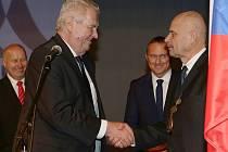 Beseda prezidenta Miloše Zemana s občany v lounském Vrchlického divadle