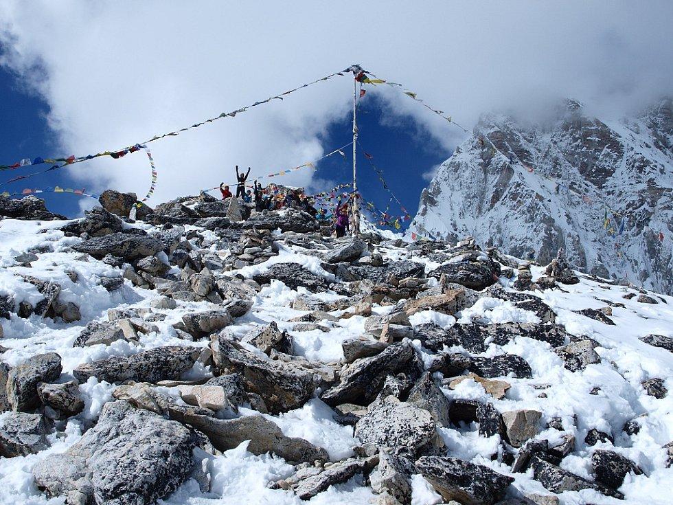 Vrcholek vyhlídkové hory Kala Pattar (5545 m)