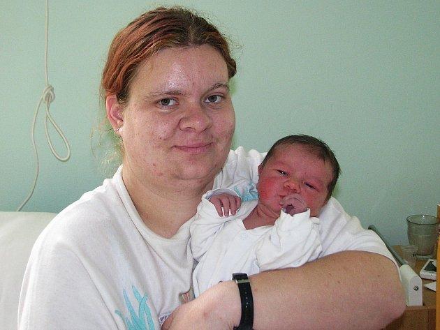 Mamince Štěpánce Doležalové z Nového Sedla se 12. prosince 2012 v 10.35 hodin narodil synek Jan Doležal. Vážil 3645 gramů a měřil 52 centimetrů.