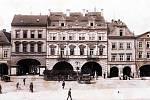Jak se jmenuje hotel na snímku? Nachází se na náměstí Svobody v Žatci.