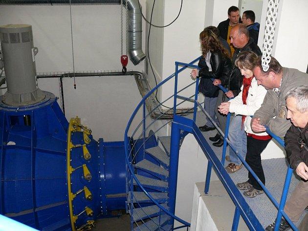 Kolaudační komise v areálu nové elektrárny na Ohři