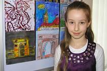 Žákyně výtvarného oboru Eliška Drbohlavová nakreslila město Bukurešť.