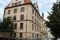 Bývalý sklad chmele na rohu Kovářské ulice a Smetanova náměstí.
