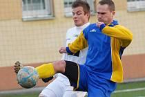 Fotbalové utkání Mostu B (v bílém) proti Slavoji Žatec