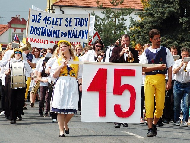 Už patnáctý Svátek dobré nálady proběhl 1. května v Kryrech