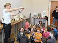 Beseda o ptácích s lektorkou Jitkou Stehlíkovou v lounské knihovně