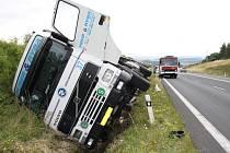 Nehoda kamionu o obce Libkovice na Podbořansku.