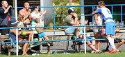 Fotbalisté Nového Sedla (v pruhovaných dresech) porazili Černčice 5:1.