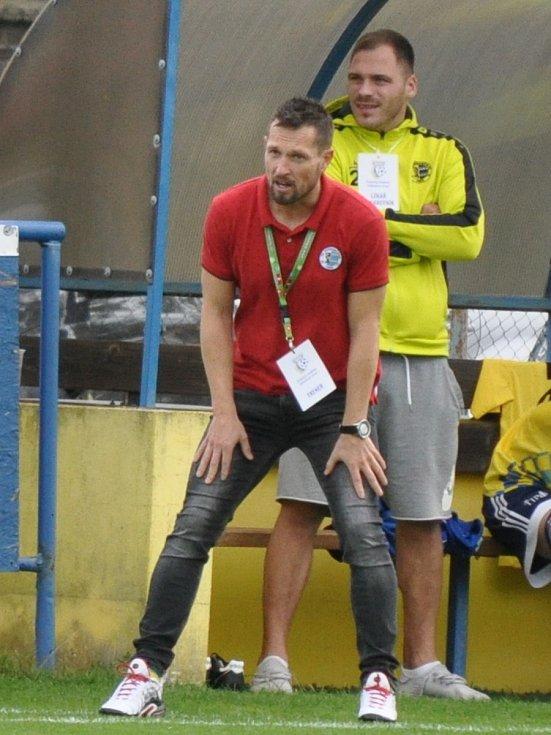 Trenér Dobroměřic David Holeček se nestačil divit, jak se změnil výkon jeho svěřenců ve druhém poločase.