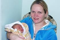 Mamince Evě Bednárové z Loun se 26. prosince narodil syn Dominik Marek. Váha 3,3 kg, míra 50 cm.