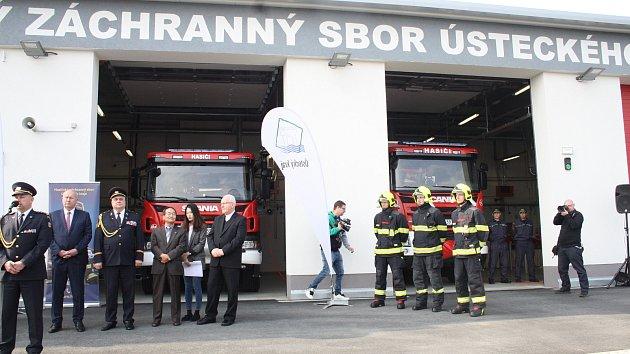 V průmyslové zóně Triangle u Žatce se slavnostně otevřela nová požární stanice.