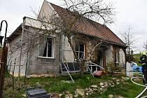 Rodinný dům v Holedečku na Žatecku po požáru