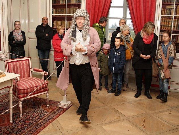 Živé obrazy krásnodvorské, velmi oblíbené kostýmované prohlídky zámku v Krásném Dvoře