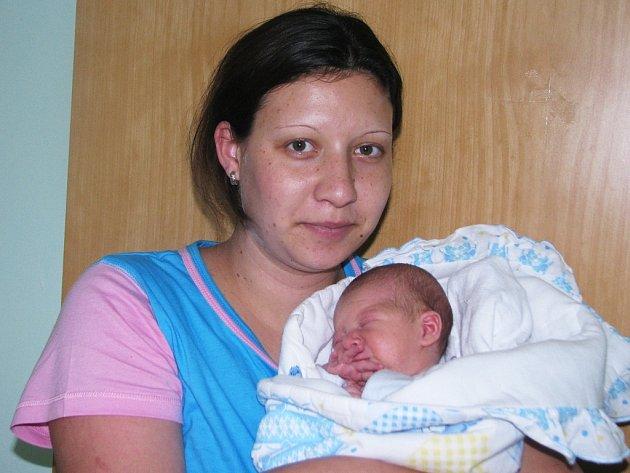 Mamince Nikole Novotné ze Žatce se 24. srpna 2013 v 18.29 hodin narodil syn Marek Jůna. Vážil 3335 gramů a měřil 53 centimetrů.