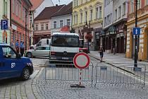 Havárie na vodovodním řadu v ulici Beneše z Loun.