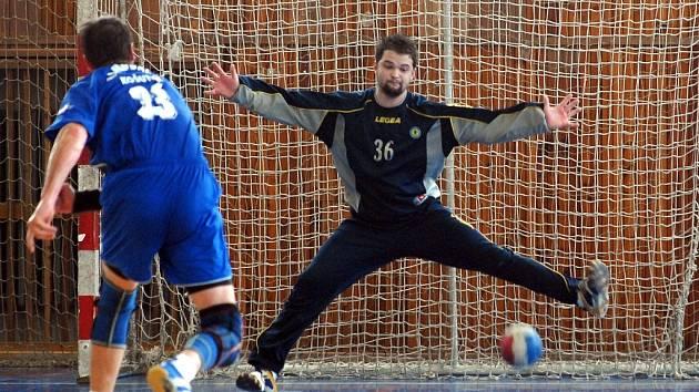 Ve finále play off o postup do první házenkářské ligy mužů se střetl v Lounech domácí tým s hráči Košutky.