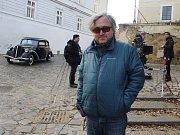 Režisér Jan Hřebejk na natáčení v Žatci