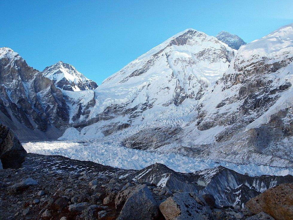 Cesta na Mt. Everest ze základního tábora horolezců