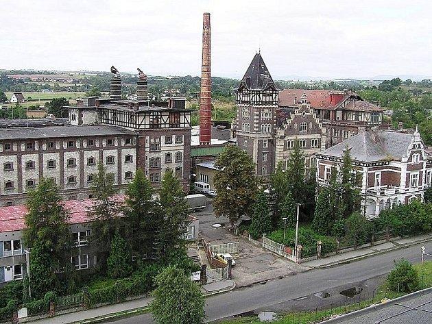 Bývalý Dreherův pivovar vŽatci, kde sídlil podnik Fruta. Objekt má být spolu sdalšími 88budovami ve městě zapsán do seznamu UNESCO.