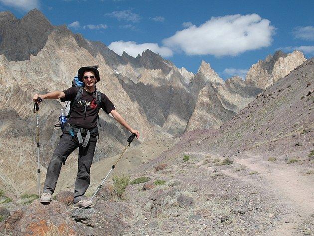 Tůra krajinou pohoří Ladakh na severu Indie, kde Luboš s přáteli zdolávali sedla kolem 4500-5000 m.n.m