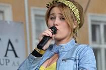 Do Žatce přijede talentovaná zpěvačka Elis.