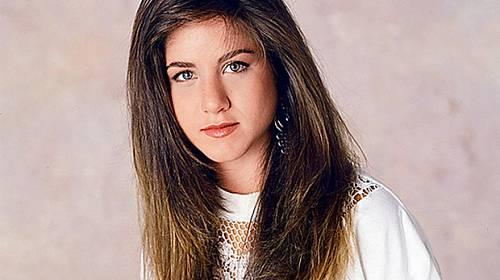 Hádanka ze světa celebrit: Poznáte tuhle brunetku?
