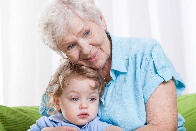 Babičky mají radost ze všeho, pokud je to od vnoučete.