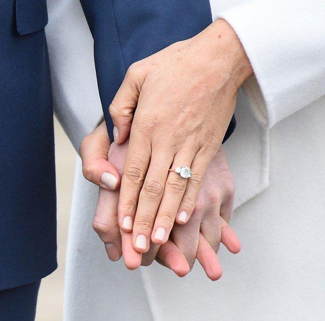 Zásnubní prsten je překrásný!