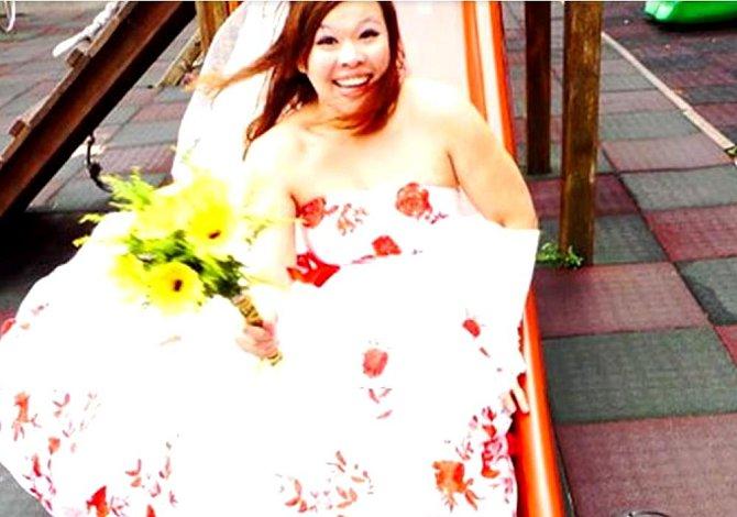 Thajka Chen si rovněž vzala sama a nebyla jediná, komu to osamocené ve svatebním moc slušelo.