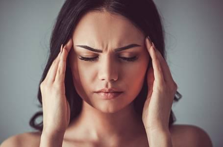 Příčinu bolesti hlavy často nerozeznáme.