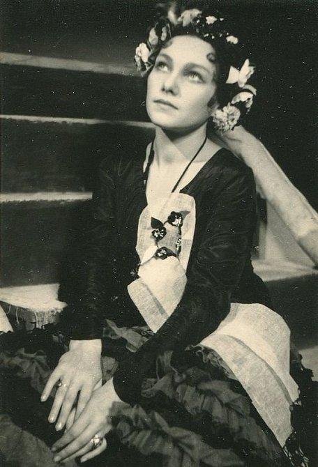 Jiřina Štěpničková byla velká vlastenka, posluhovat nacistům odmítla.