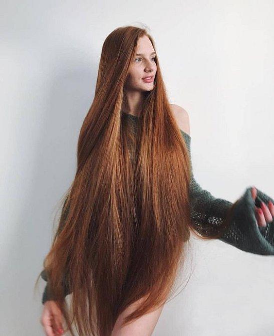 Přemýšlíte, co s vlasy? Pokud chcete působit žensky, nestříhejte je!