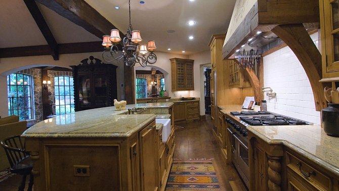Dwayne Johnson si pořídil luxusní dům v Powder Springs v Georgii za 9 milionů dolarů.
