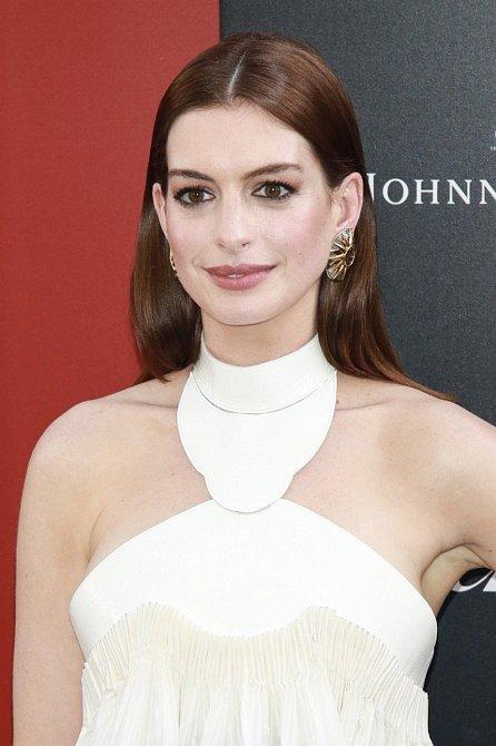 Zimní typ je rozhodně Anne Hathaway.